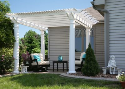 12x12 Urbana Pergola with deluxe shade and round posts 1