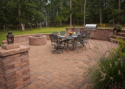 3-Tudor-Wall™-Harvest-Blend-Fire-pit-kit-Old-Towne-Cobble™6x6-6x9-Harvest-Blend